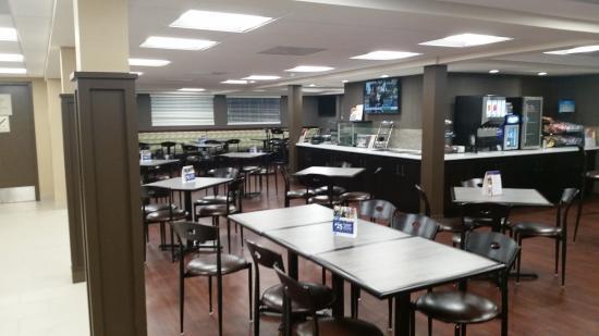 BEST WESTERN Inn Hershey: Newly renovated breakfast room.