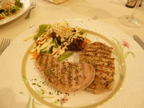 Los Zapatos: Grilled tunafish