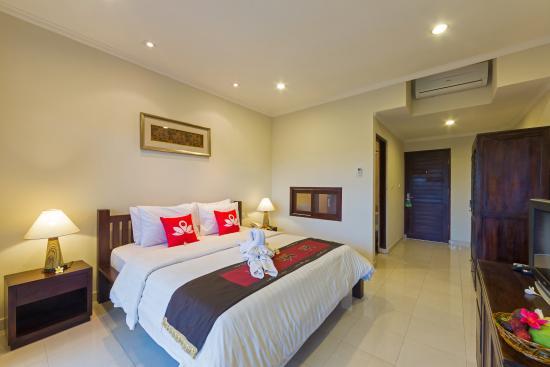 Inata Hotel Monkey Forest  33    U03365 U03360 U0336