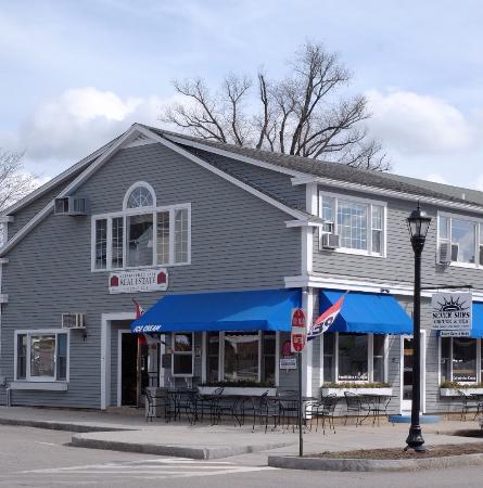 Wolfeboro, New Hampshire: Seven Suns