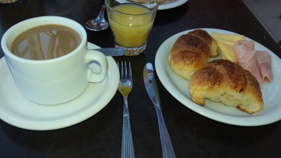 America Plaza Hotel: Desayuno