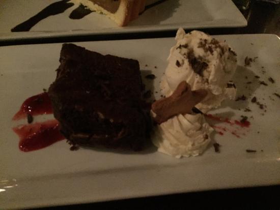 Lone Star New Market : Choc Brownie with ice cream