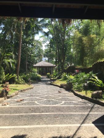 The Farm at San Benito: Entrance and pathway to the Lakan Villa