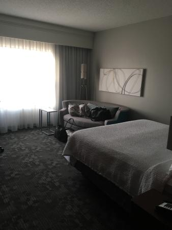 Courtyard Reading Wyomissing: Very clean, comfy room. Bed was soft and we slept very well. This whole hotel was non smoking ba