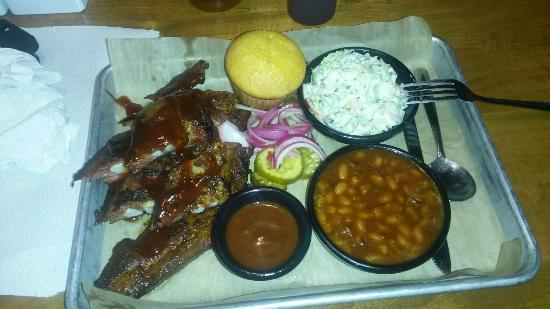 Famous Dave's: 20160404_180032_large.jpg