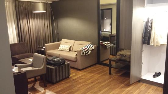 F1 Hotel Manila Photo