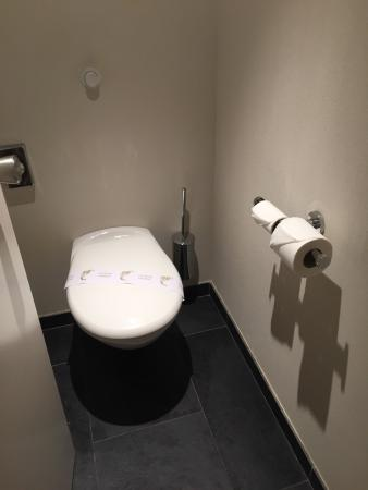 Hotel Escale Oceania Brest: Salle De Bain Et Sanitaire Impeccable