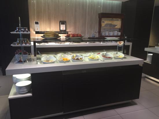 RACV Noosa Resort: Buffet breakfast - amazing food!!