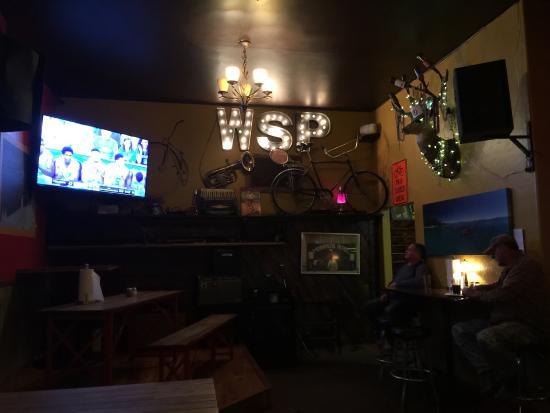 Tahoma, Калифорния: El lugar es muy acogedor, la atención es muy rápida y eficiente, son muy amables, las pizzas no