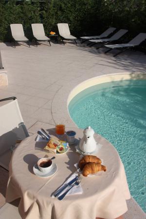 Piccolo Hotel: bordo piscina