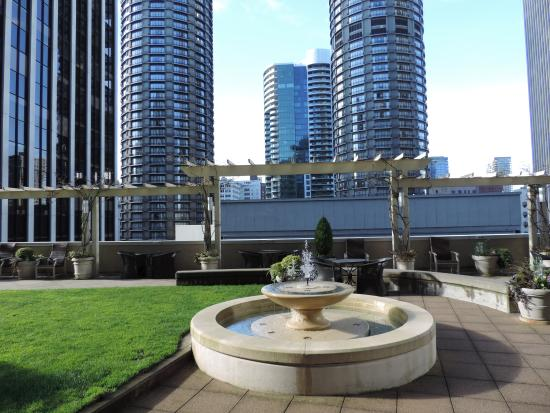 METROPOLITAN TOWER APARTMENTS - Condominium Reviews (Seattle, WA