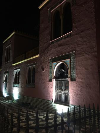 Descubrir  Almunecar Tourist Services: Der Touristservice bei Nacht