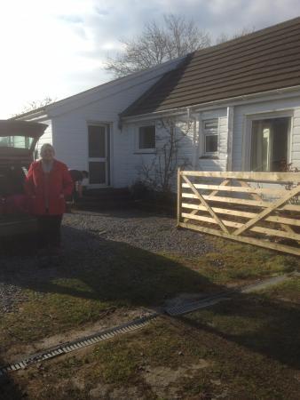 Llannon, UK: Front of cottage