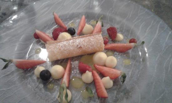 Cuers, ฝรั่งเศส: dessert:petite salade de fruits