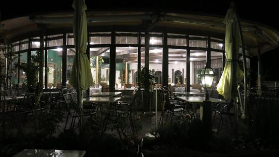 Hotel Malerwinkel: Restaurant von der Terasse aus