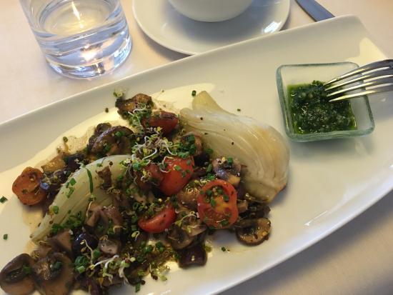 Dellach, Austria: Fenchel Mailänder Art zum Abendessen im Rahmen des Basenfasten