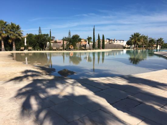 Cascade Wellness & Lifestyle Resort: Sandy pool