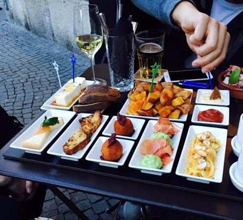 Volver Bar Tapas Cafe: Tapas Variation