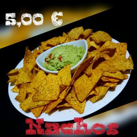 Jorquiria Lounge Beer & Cocktail: Nachos guacamole