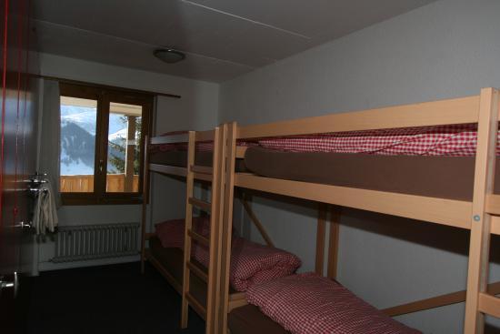 Lenk im Simmental, สวิตเซอร์แลนด์: 4 Bett Zimmer