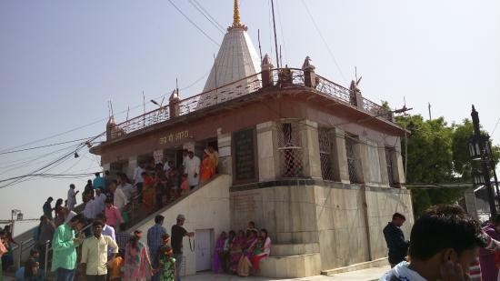 Maihar, Индия: main mandir