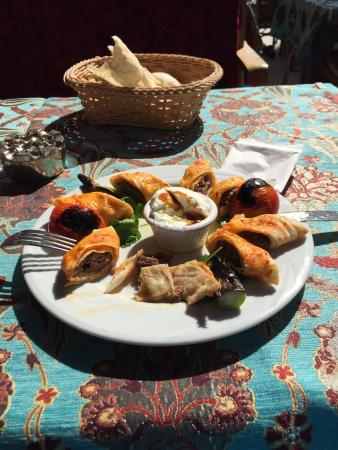 ANTAKYA Restaurant: Great food, good service that also speaks English. Definitely a good place to eat near the Grand