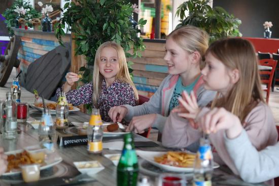Hellevoetsluis, Países Bajos: Brasserie in Adventuredome