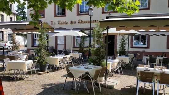 Terrasse ext rieur du restaurant picture of la table des for Restaurant exterieur