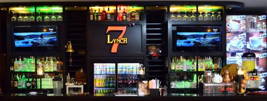 ‪Lynch Cafe & Bar‬