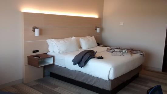 Spencer, Айова: King bed-Comfortable