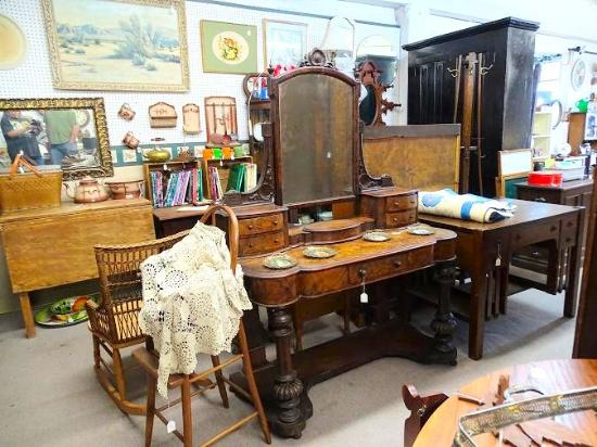 Inside Picture Of Parkway Antique Mall Maryville Tripadvisor