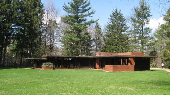 Weltzheimer/Johnson House Frank Lloyd Wright Building