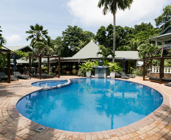 Chateau St Cloud, Hotels in Praslin