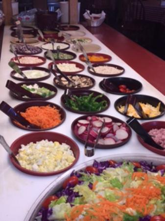 Montgomery, IN: Large Salad Bar