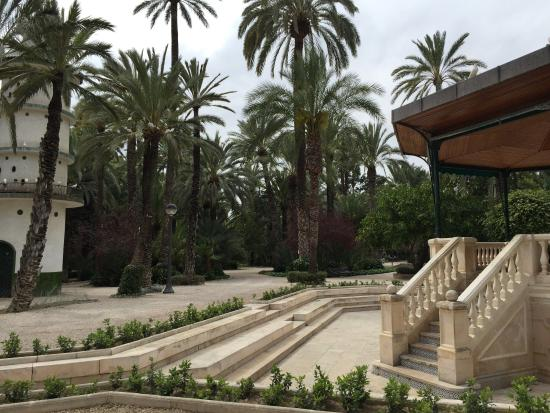 Park entrance - Bild från Palm Groves (Palmeral) of Elche, Elche - TripAdvisor