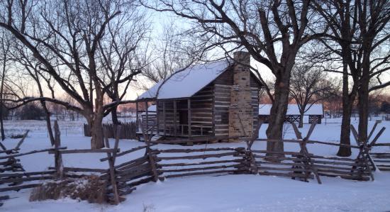 Pocahontas, AR: Rice-Upshaw House in snow