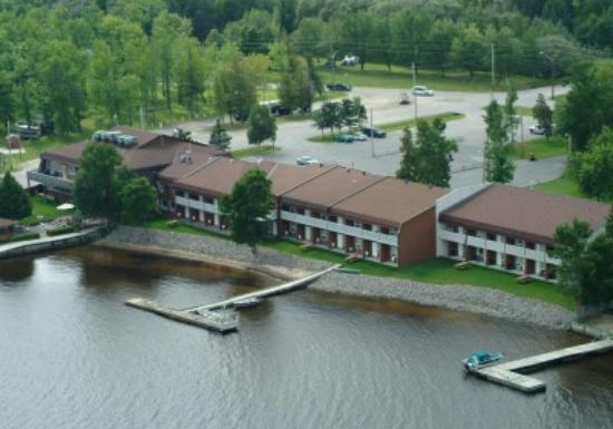 Photo of La Place Rendez Vous Hotel & Convention Fort Frances