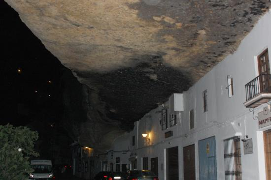 Hotel Villa de Setenil: Casas bajo la roca