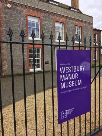 Westbury Manor Museum: Signage
