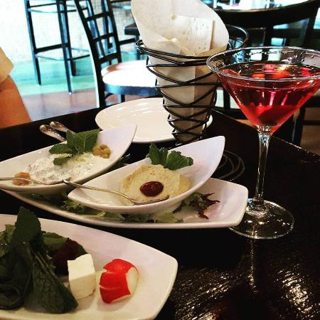 Pomegranate on Main: Cocktails and appetizers