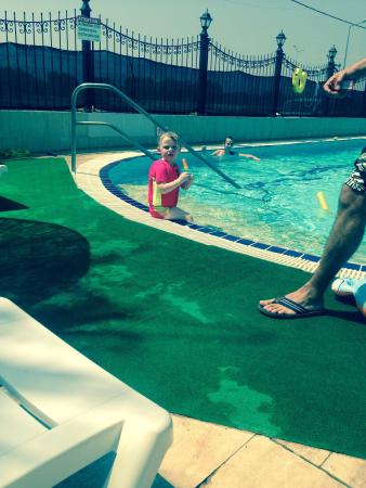Sunset Village Apartments: Kids loved the pool