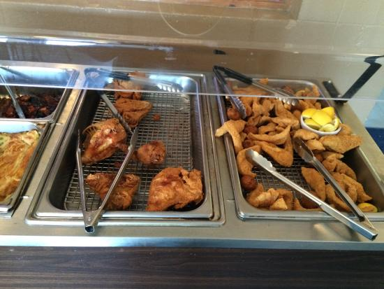 Port-O-Call Seafood Restaurant: Lunch buffet $9.95