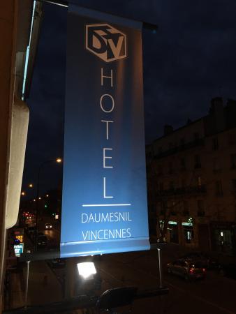 Hotel Daumesnil-Vincennes: Aus dem Fenster heraus ...