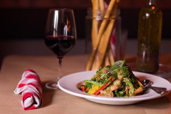 Fellini Koolini's Italian Cuisini: Wine and Dine