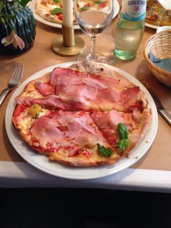 Pellolitto Pizzamanufaktur: Pizza 'Wir haben Verständnis' (Hawaii)