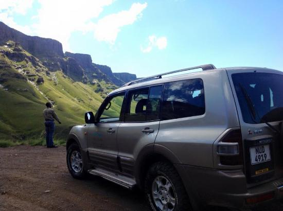 Roof of Africa Tours: Comfortable 4x4 travel up the famous Sani Pass