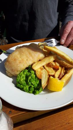 Cadgwith, UK: Fish and Chips!