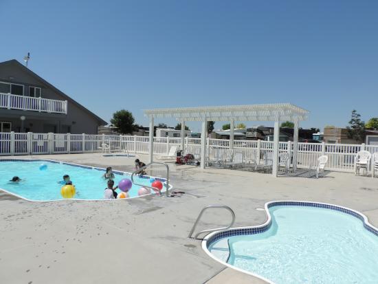 Caldwell, ID: Seasonal Pool