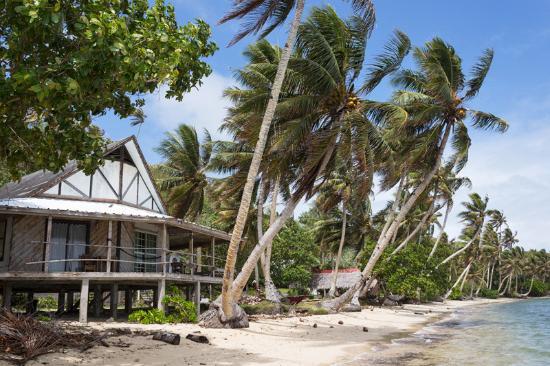 Village View Hotel: Beach view