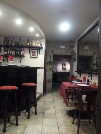 Sant Llorenc de la Muga, Spania: Comedor 2